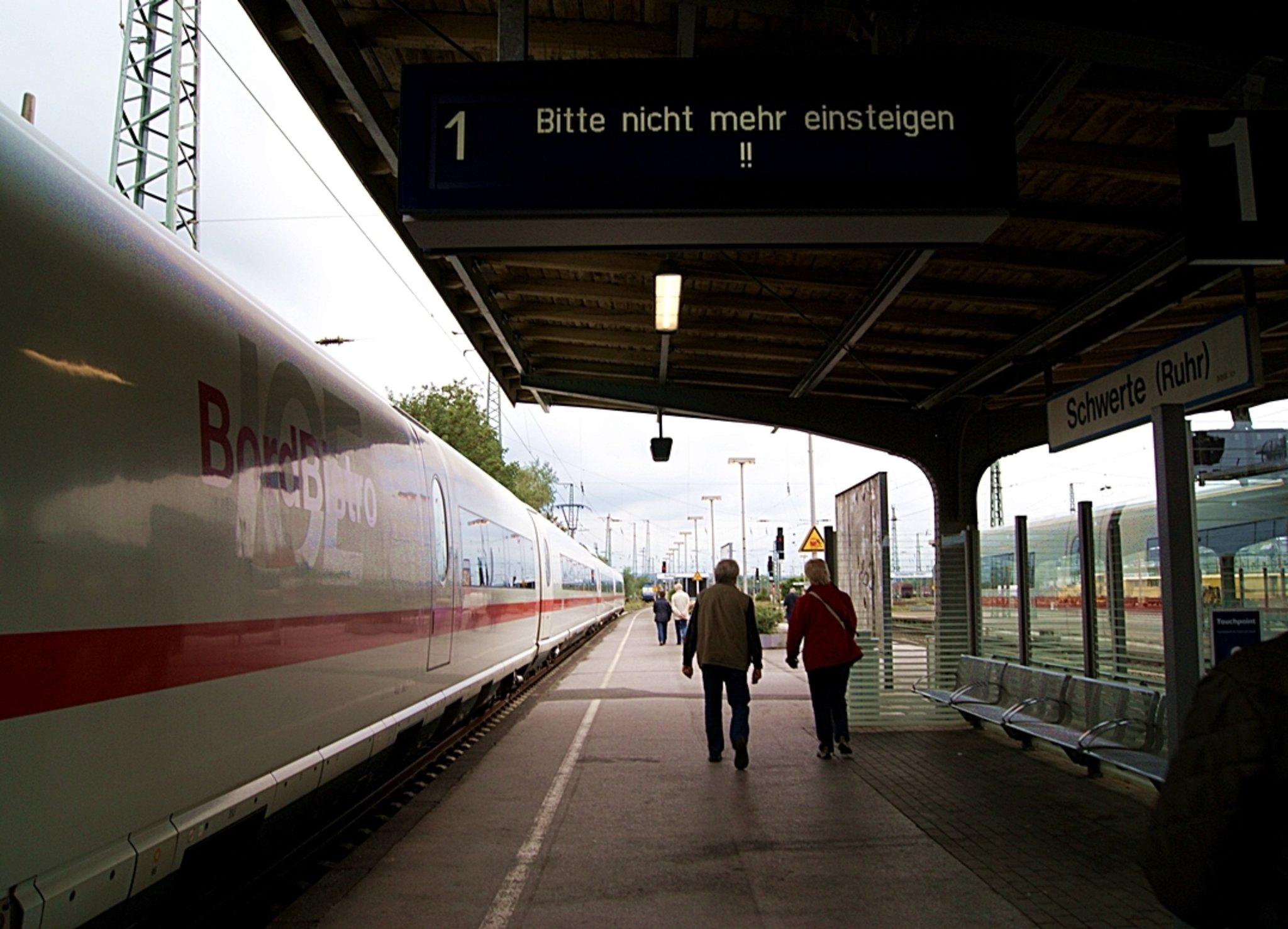 Zugtaufe Des Ice Schwerte Ruhr Am 17092011 Schwerte