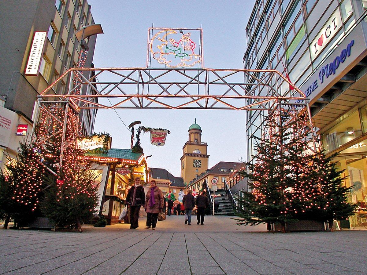 Totensonntag Weihnachtsmarkt.Weihnachtsmarkt Beleuchtung Der Bahnhofstraße Fehlt Noch