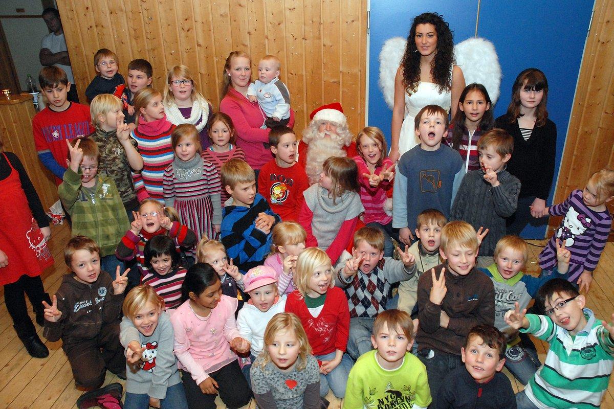 Weihnachtsgeschichte Weihnachtsfeier.Weihnachtsfeier In Gierskämpen Kinder Hören Neue