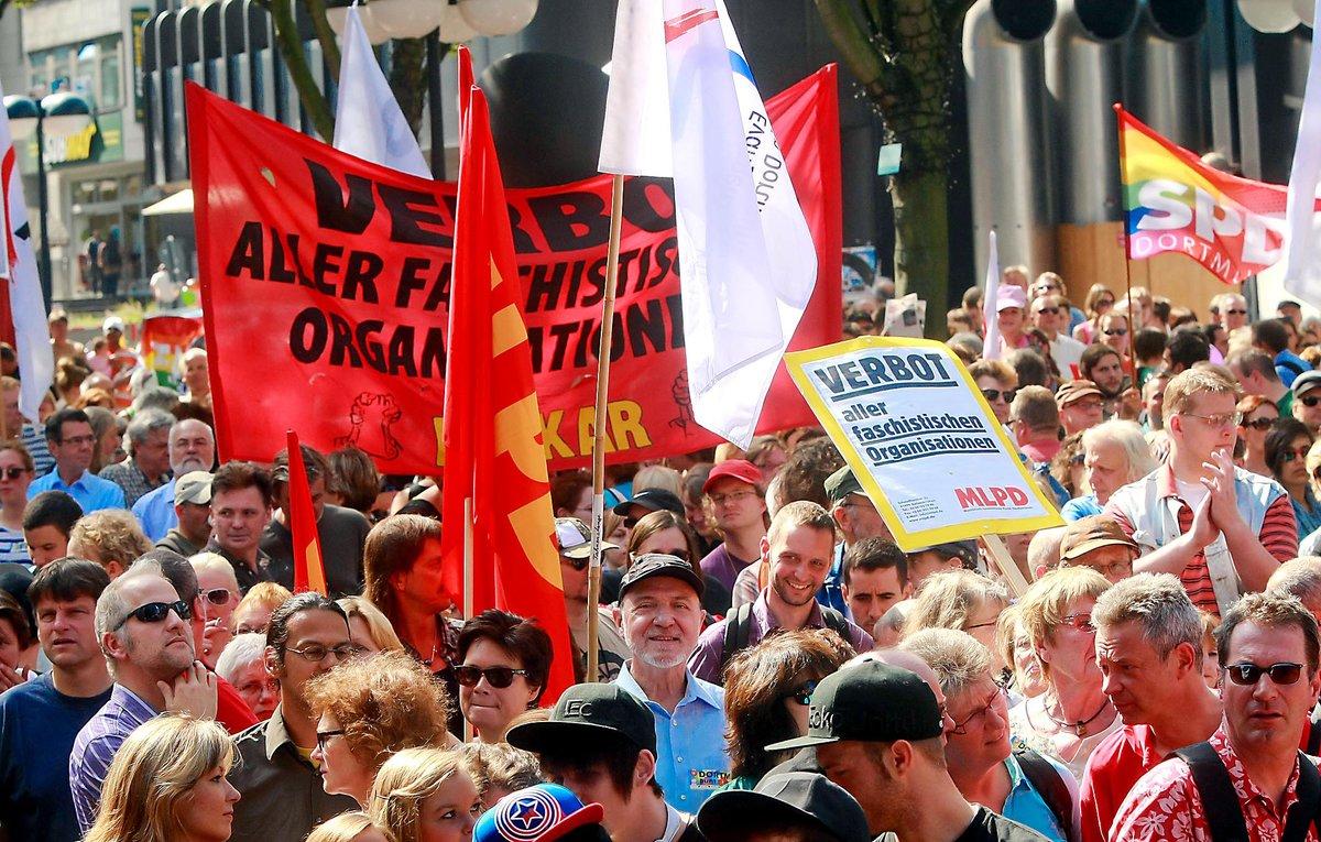 Samstag Wirds Bunt Jugendliche Und Senioren Gehen Auf Die Straße