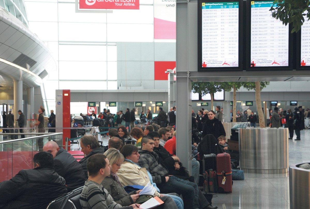 Streik Am Dusseldorfer Flughafen Dusseldorf