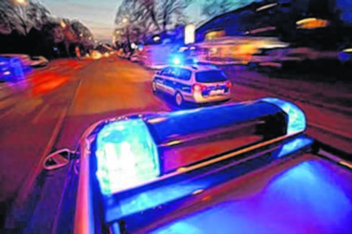 B 224 Fußgänger Bei Unfall Lebensgefährlich Verletzt Essen Steele