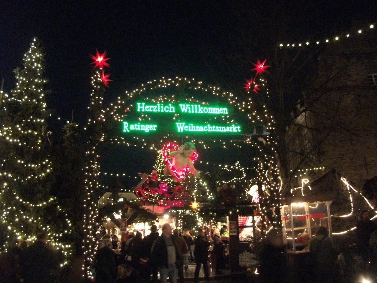 Besuch Auf Dem Weihnachtsmarkt.Besuch Auf Dem Weihnachtsmarkt In Ratingen Düsseldorf