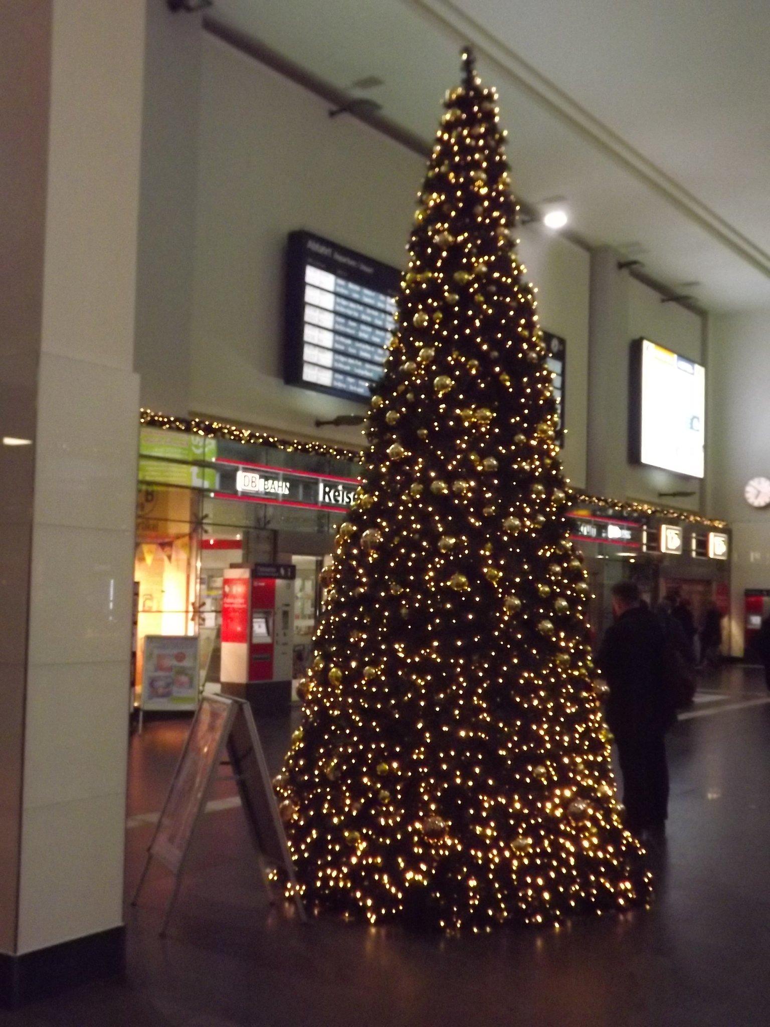 Weihnachtsbaum Schwerte.Der Weihnachtsbaum 2013 Im Dortmunder Hauptbahnhof Dortmund Nord