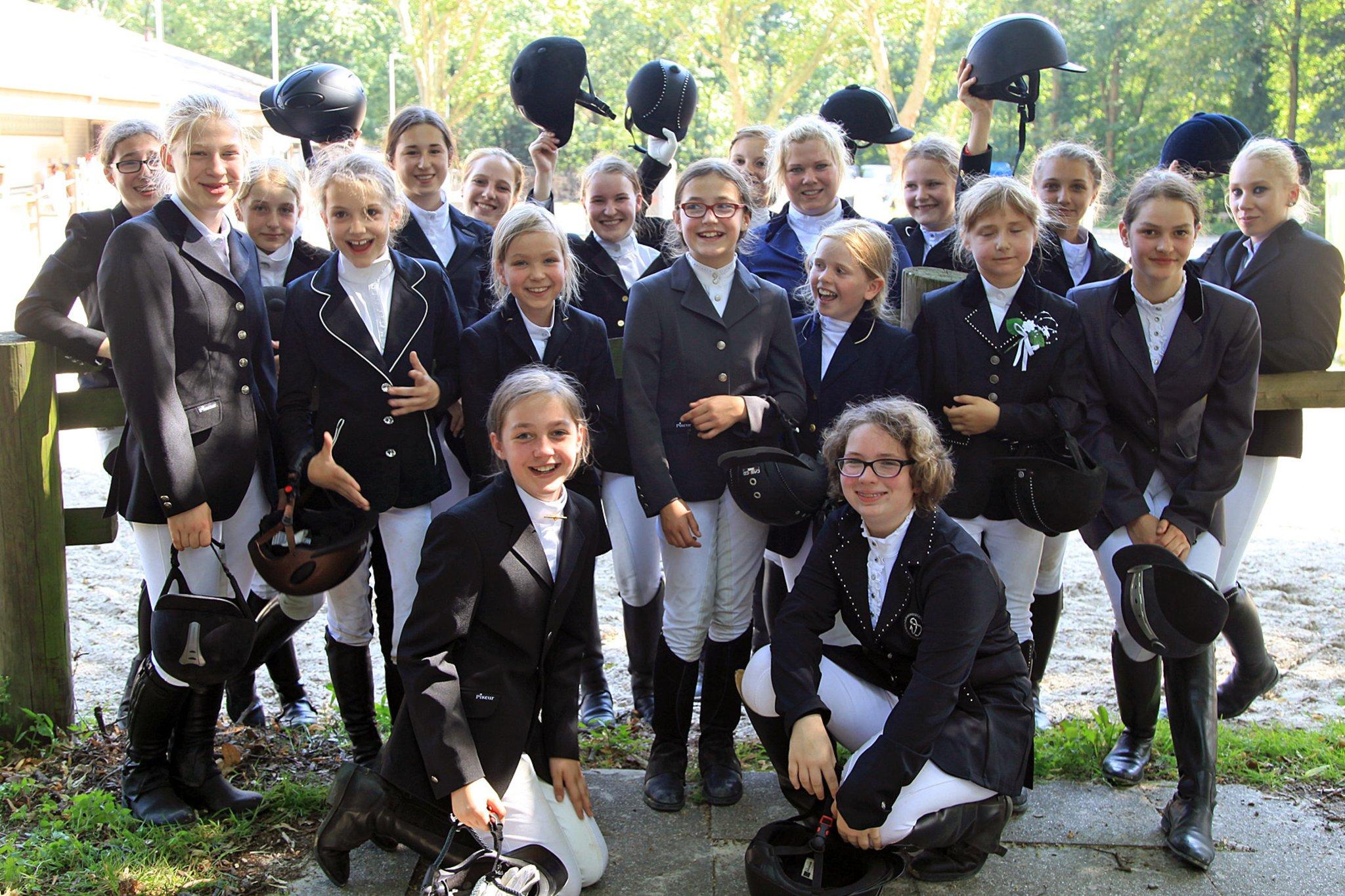 Junge Reiterinnen Sport1