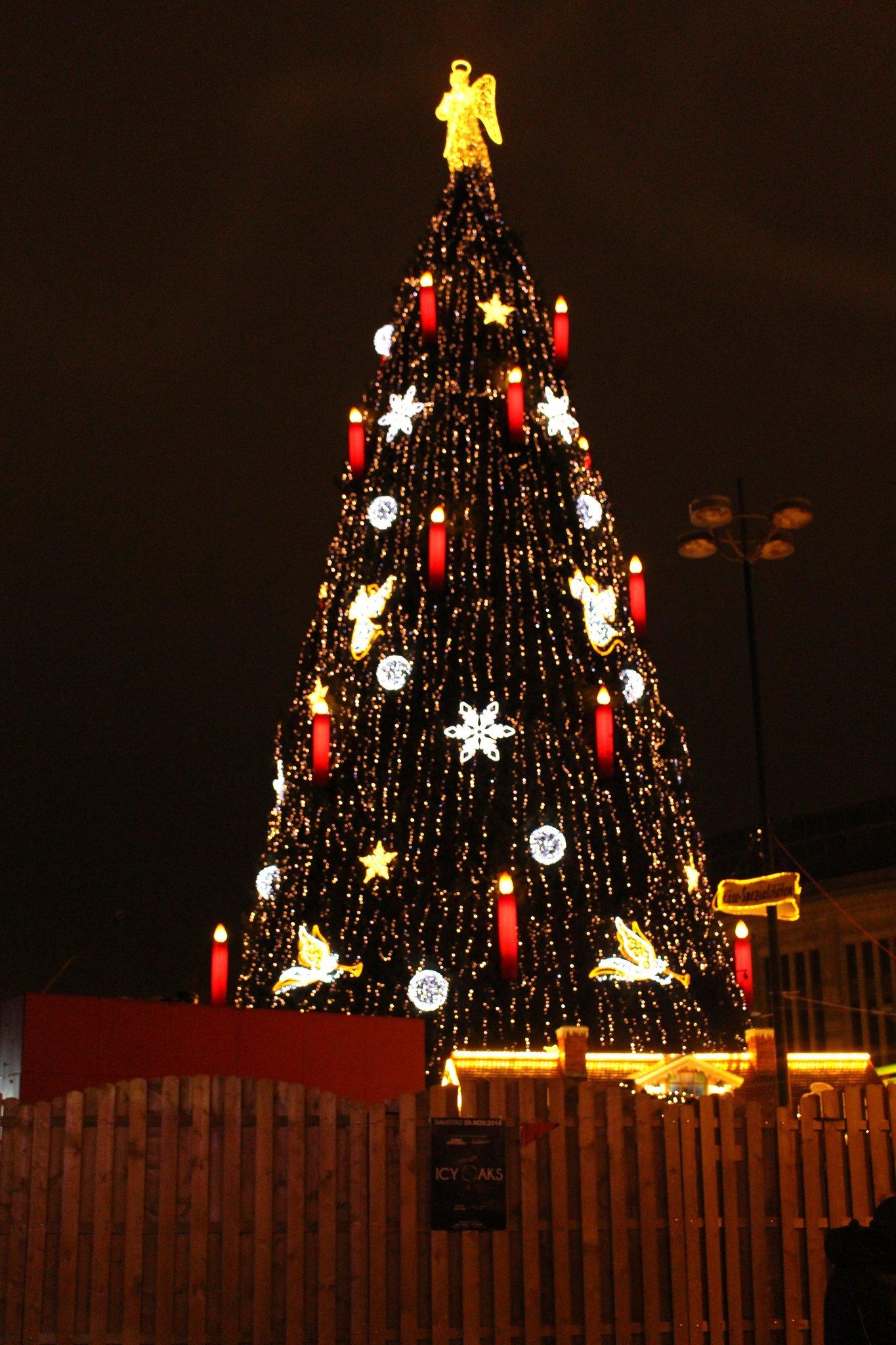 Dortmund Weihnachtsbaum.Der Grösste Weihnachtsbaum Der Welt Steht In Dortmund Unna