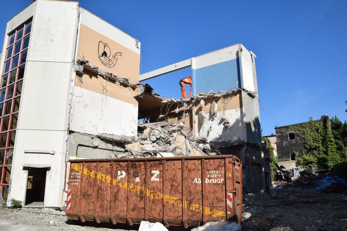Teil 1 Abriss Des Ehemaligen Möbelhauses Eschenbach In Hilden