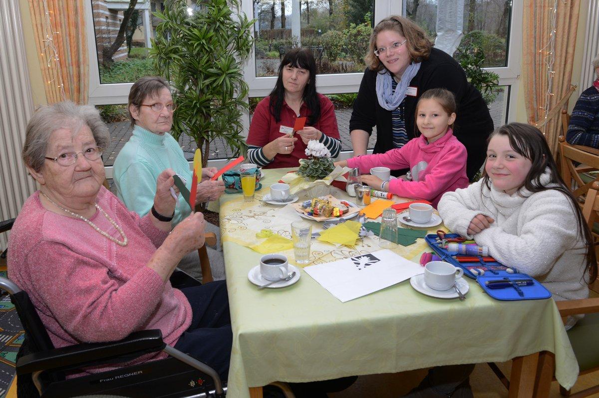 Weihnachtsbasteln Senioren Und Kinder Basteln Gemeinsam Dorsten