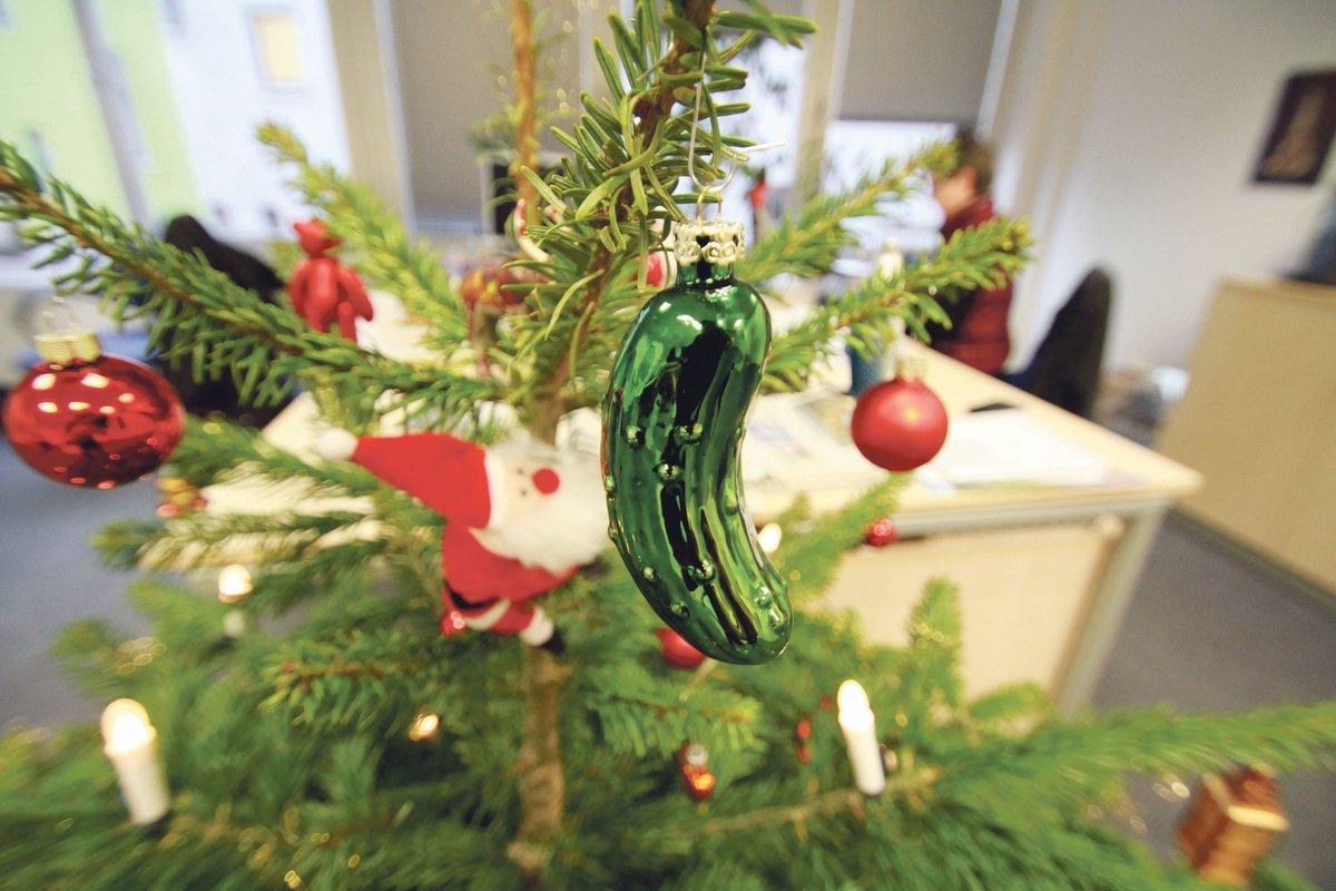 Grüne Gurke Im Weihnachtsbaum.Weihnachten Beim Lüner Anzeiger Ne Gurke Am Tannenbaum Ist Das