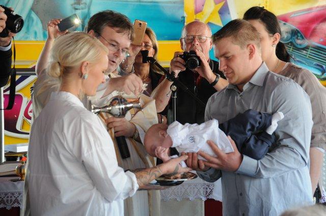 Die Erste Taufe Auf Der Klever Kirmes Kleve