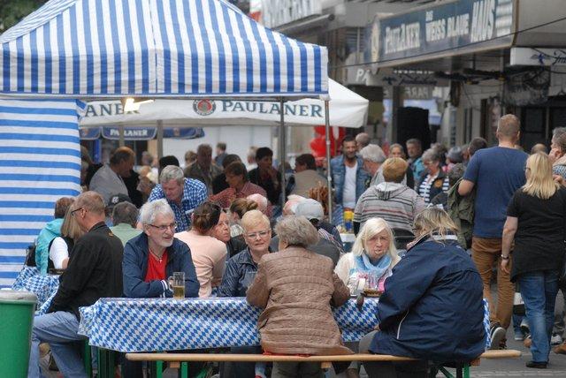 Düsseldorf Oberkassel Verkaufsoffener Sonntag