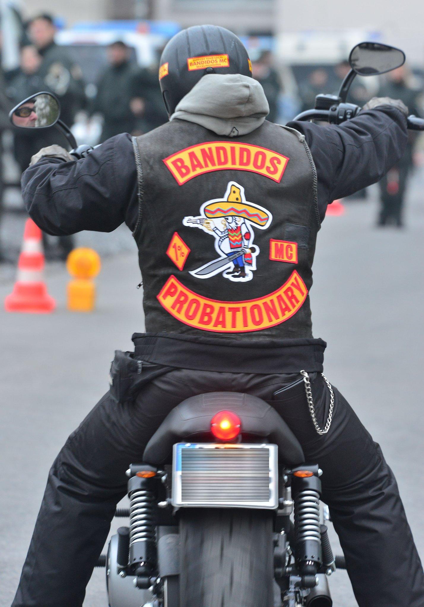 Recklinghausen: Massive Polizeipräsenz bei Bandidos..