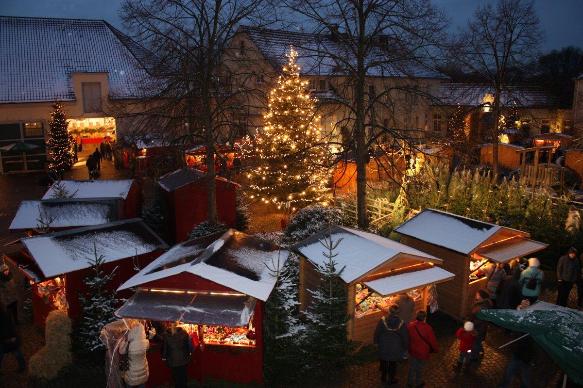 Besuch Auf Dem Weihnachtsmarkt.Einzigartig In Der Region Vorfreude Auf Den Weihnachts Und