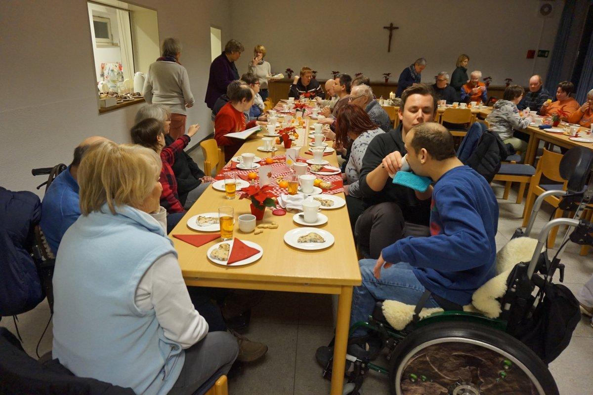 Weihnachtsgeschichte Weihnachtsfeier.Die Weihnachtsgeschichte In Einfacher Sprache Langenfeld Rheinland