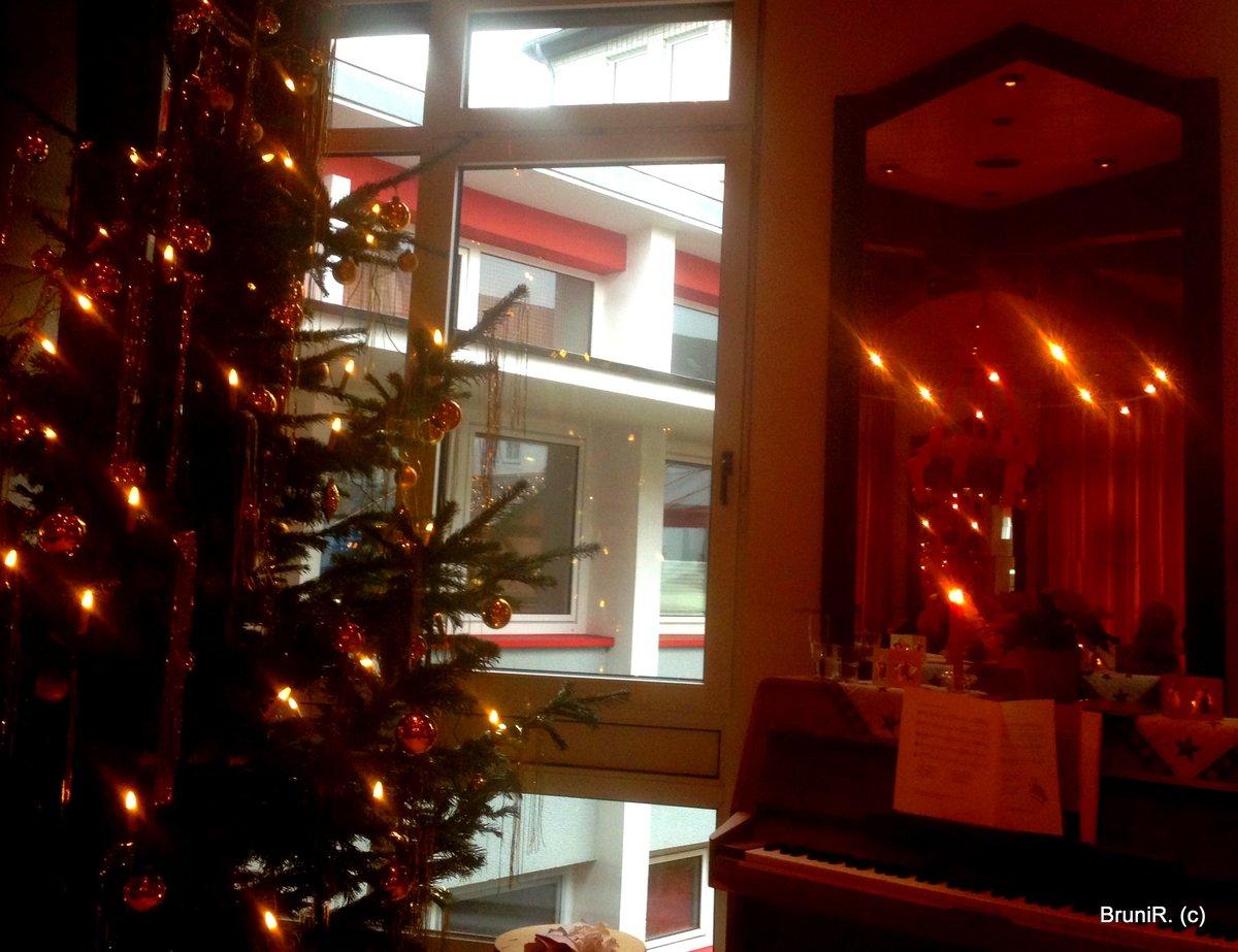Weihnachtsfeier In Düsseldorf.Lokales Aus Düsseldorf Weihnachtsfeier Zentrum Plus Und Netzwerk