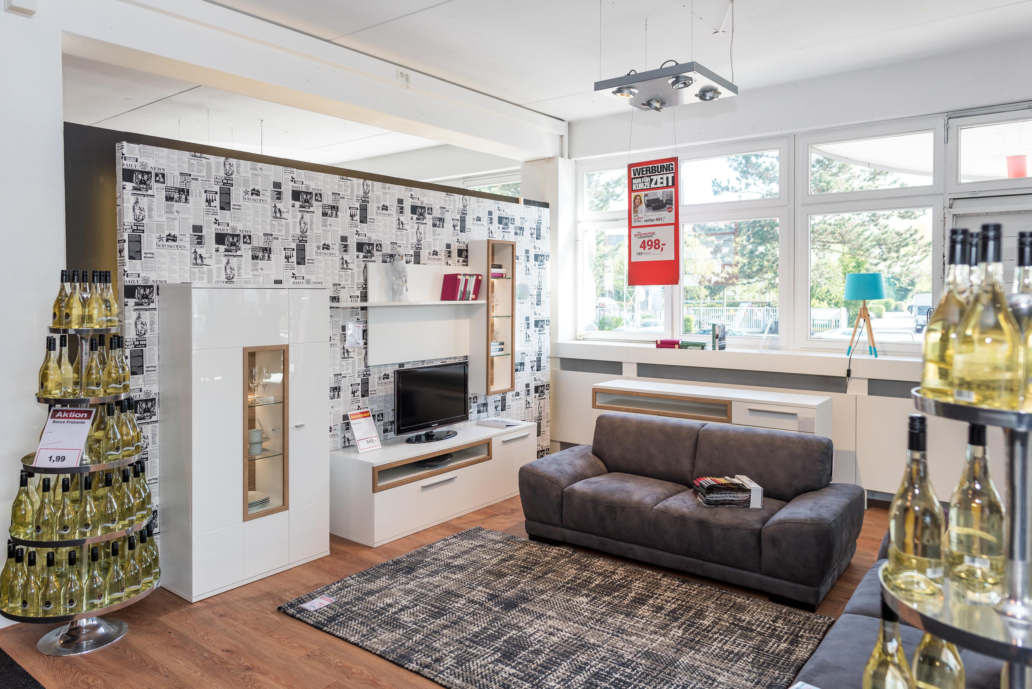 r umungsverkauf bei flamme k chen und m bel viele m bel bis zu 70 reduziert langenfeld. Black Bedroom Furniture Sets. Home Design Ideas