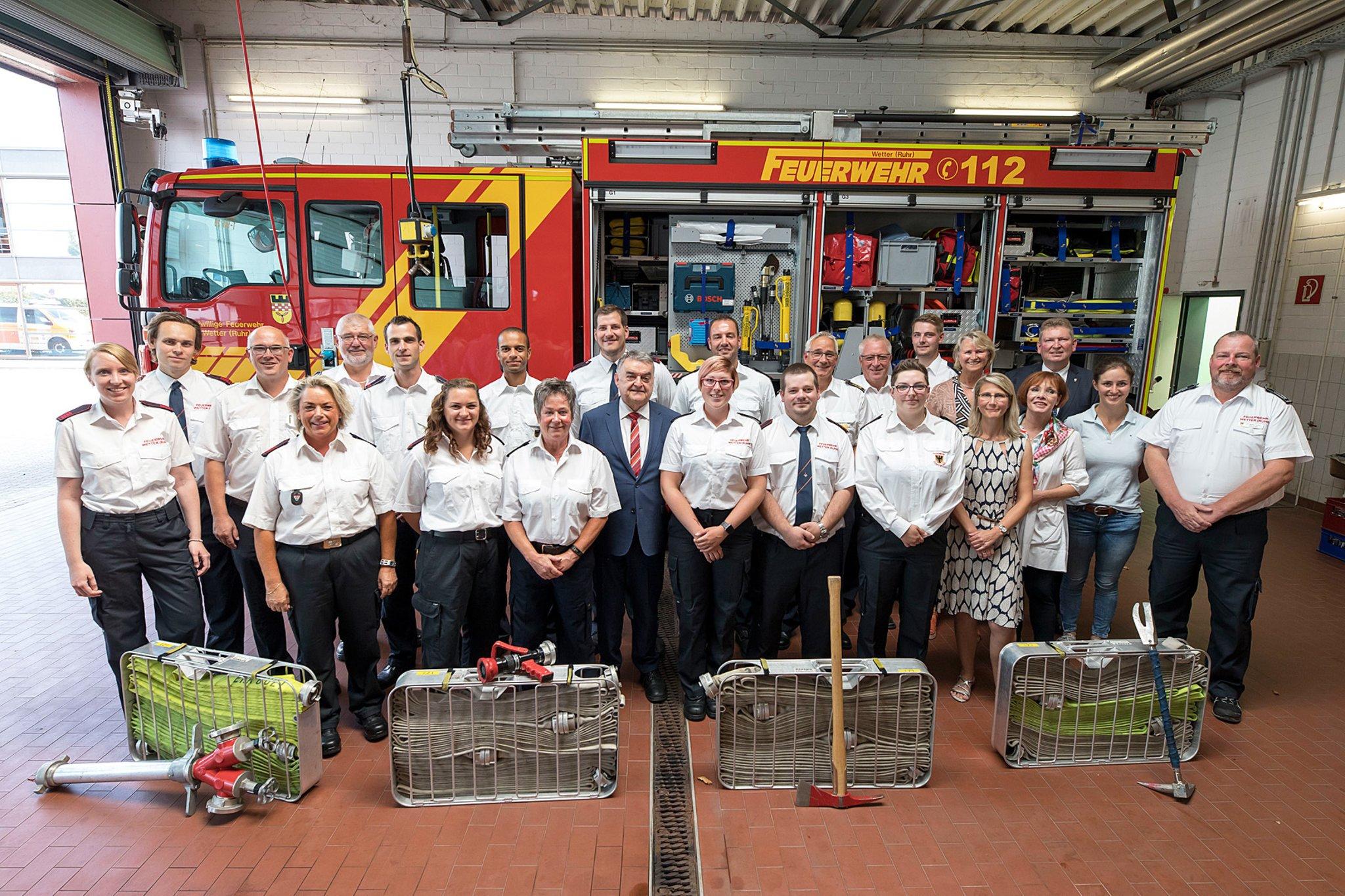 Action Imagefilm Wirbt Für Das Engagement In Der Feuerwehr