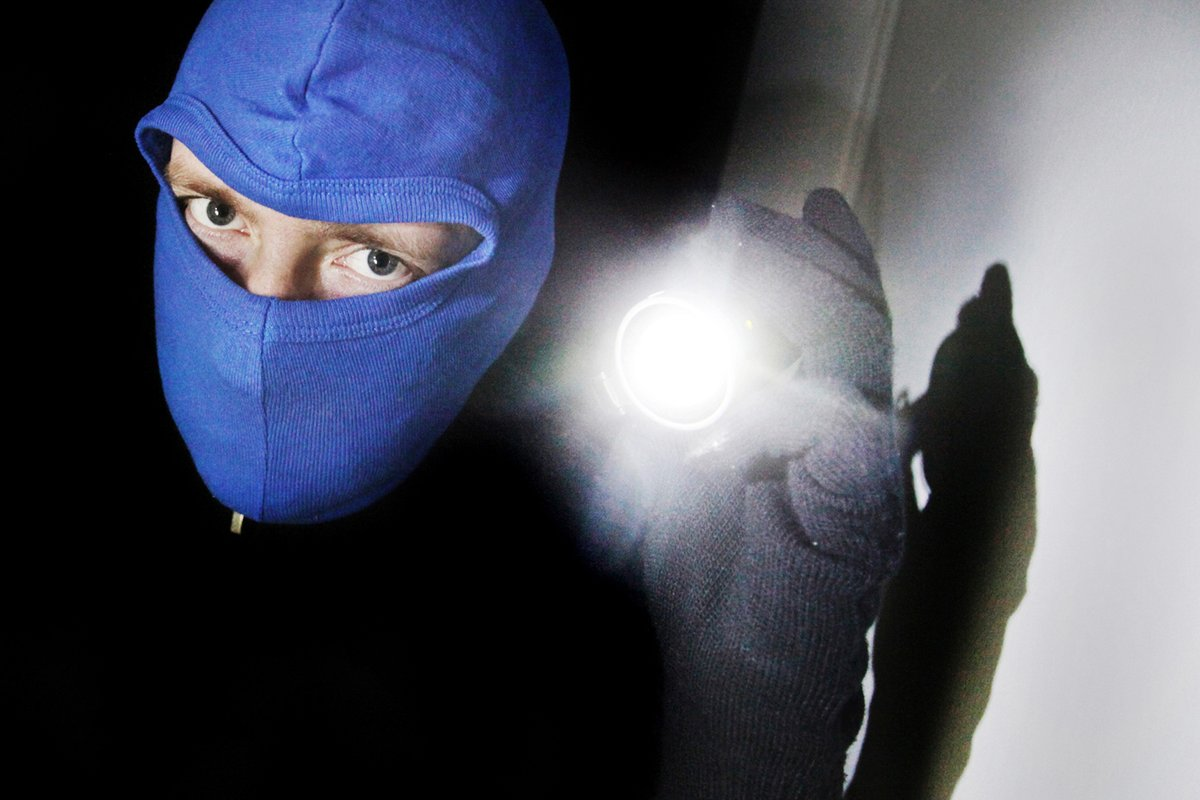 Einbrecher Durchsuchen Haus In Der Nacht Lunen