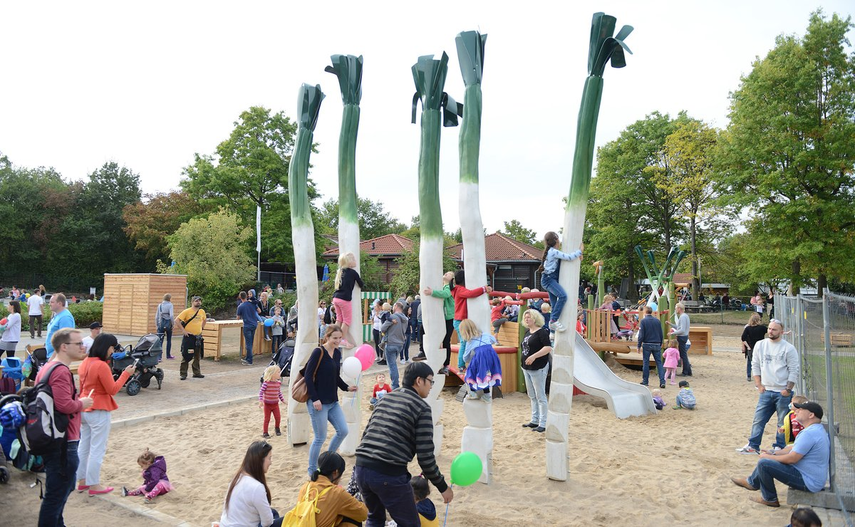 Große Feier im Südpark - Düsseldorf