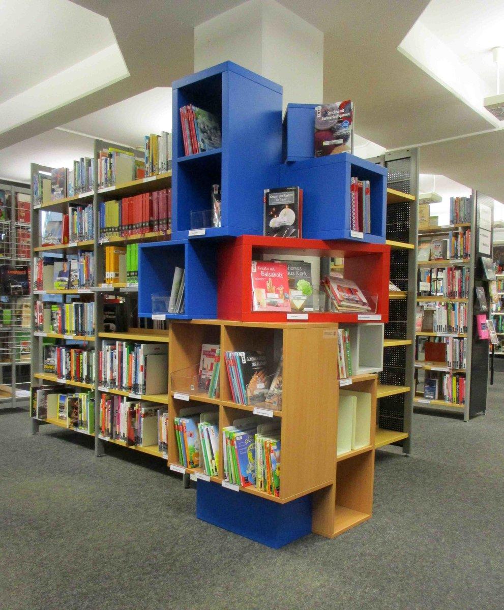 Stadtbücherei Mit Neuem Angebot Kreativcenter Gibt Jungen