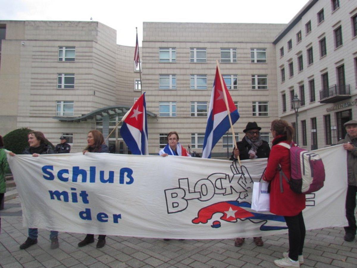 Kundgebung gegen die Blockade gegen Kuba