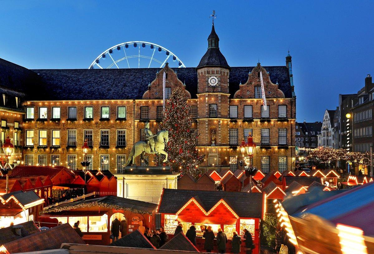 Weihnachtsmarkt Heiligabend.Weihnachtsmarkt Sieben Themenmärkte Locken Besucher An Düsseldorf