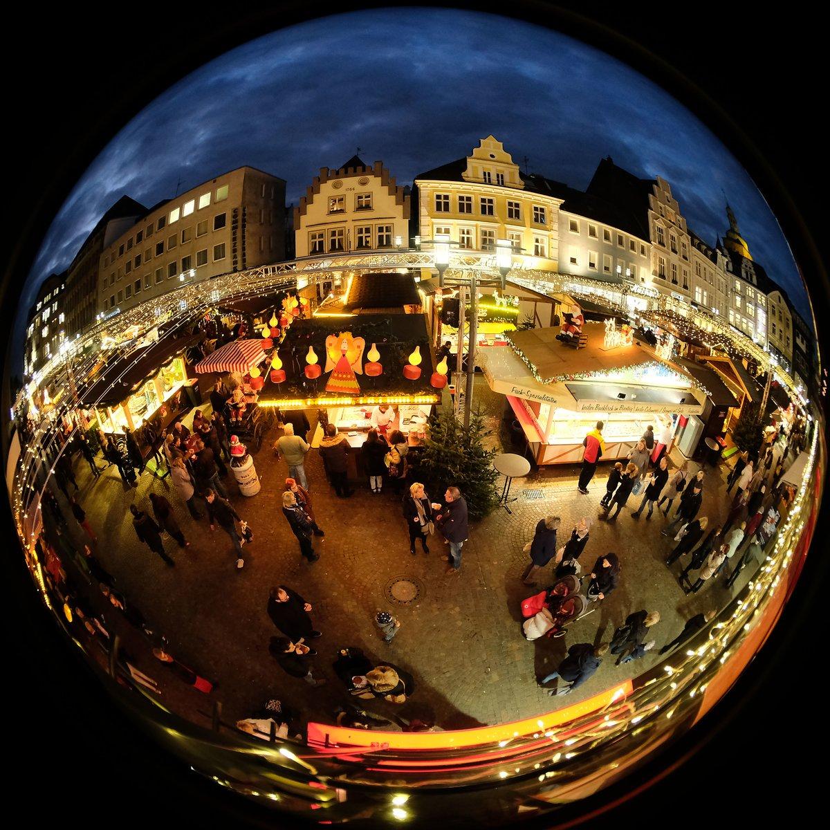 1 Advent Weihnachtsmarkt.Adventssingen In Der Altstadt Weihnachtsmarkt Stimmt Sich Auf Den 1