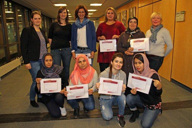 Wichtige Unterstutzung Frauen Helfen Frauen 16 Lotsinnen Fur Den Kreis Recklinghausen Dorsten
