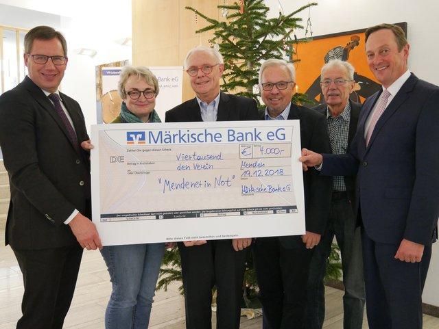 Geld Statt Weihnachtsgeschenke Markische Bank Hilft Mendenern In Not Menden Sauerland