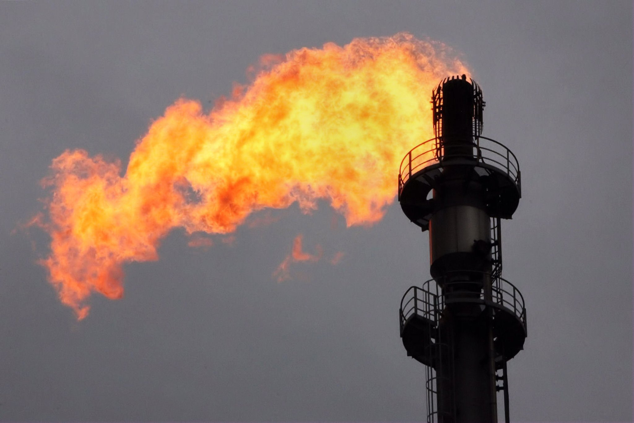 Vorfall In Raffinerie Sturm Und Stromausfall Schuld Am Geruch Lünen