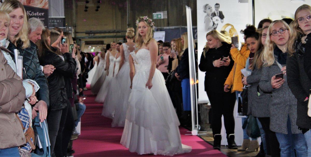 Das Brauthaus Tausendschön und der Stadtspiegel Dorsten suchen 20 Frauen, die als Models auf der Dorstener Hochzeitsmesse am Sonntag, 15. September, in der Kaue auf Fürst Leopold die aktuelle Brautmode präsentieren möchten.