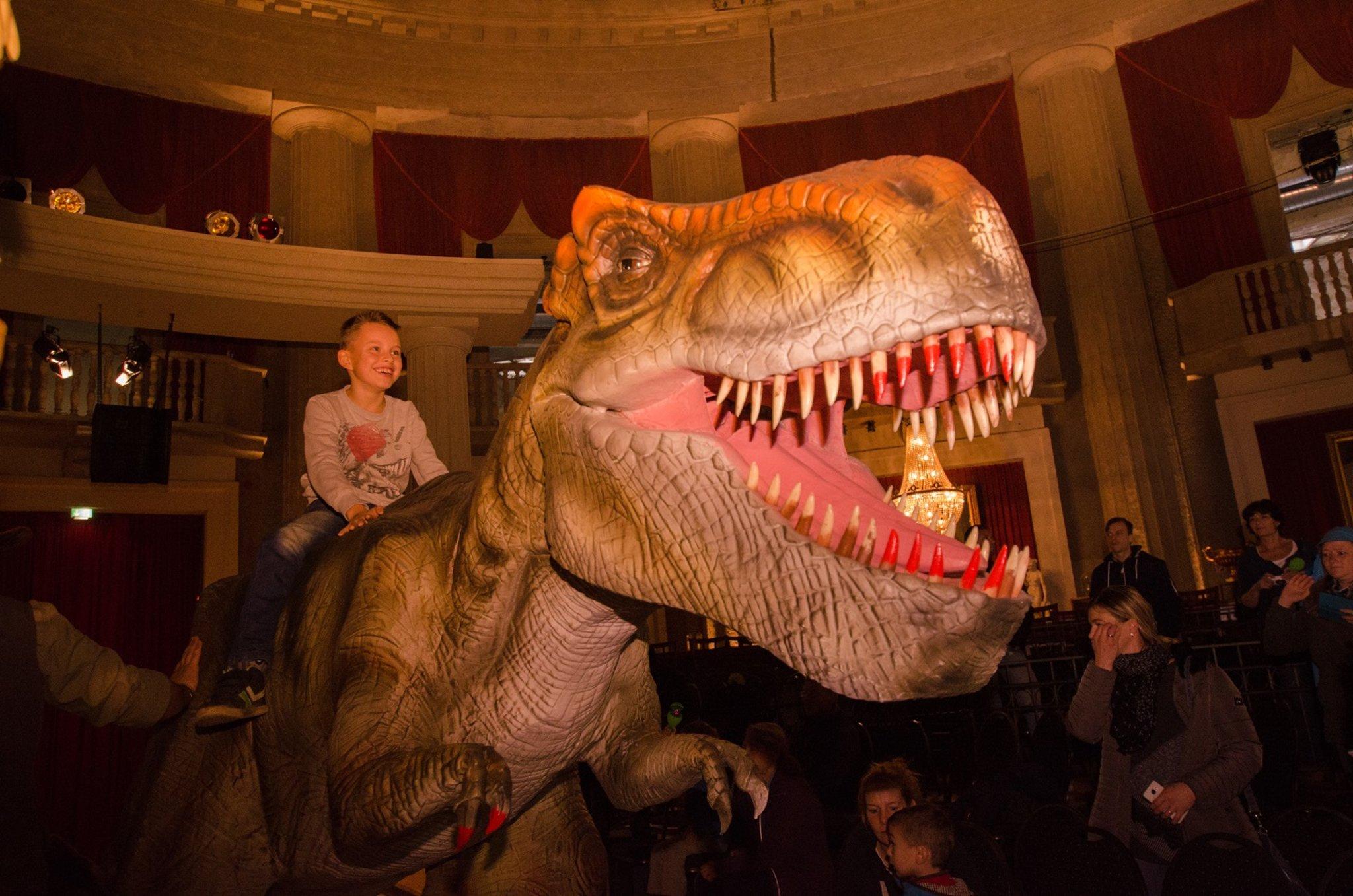 dinosauriershow in der stadthalle datteln dinos kommen
