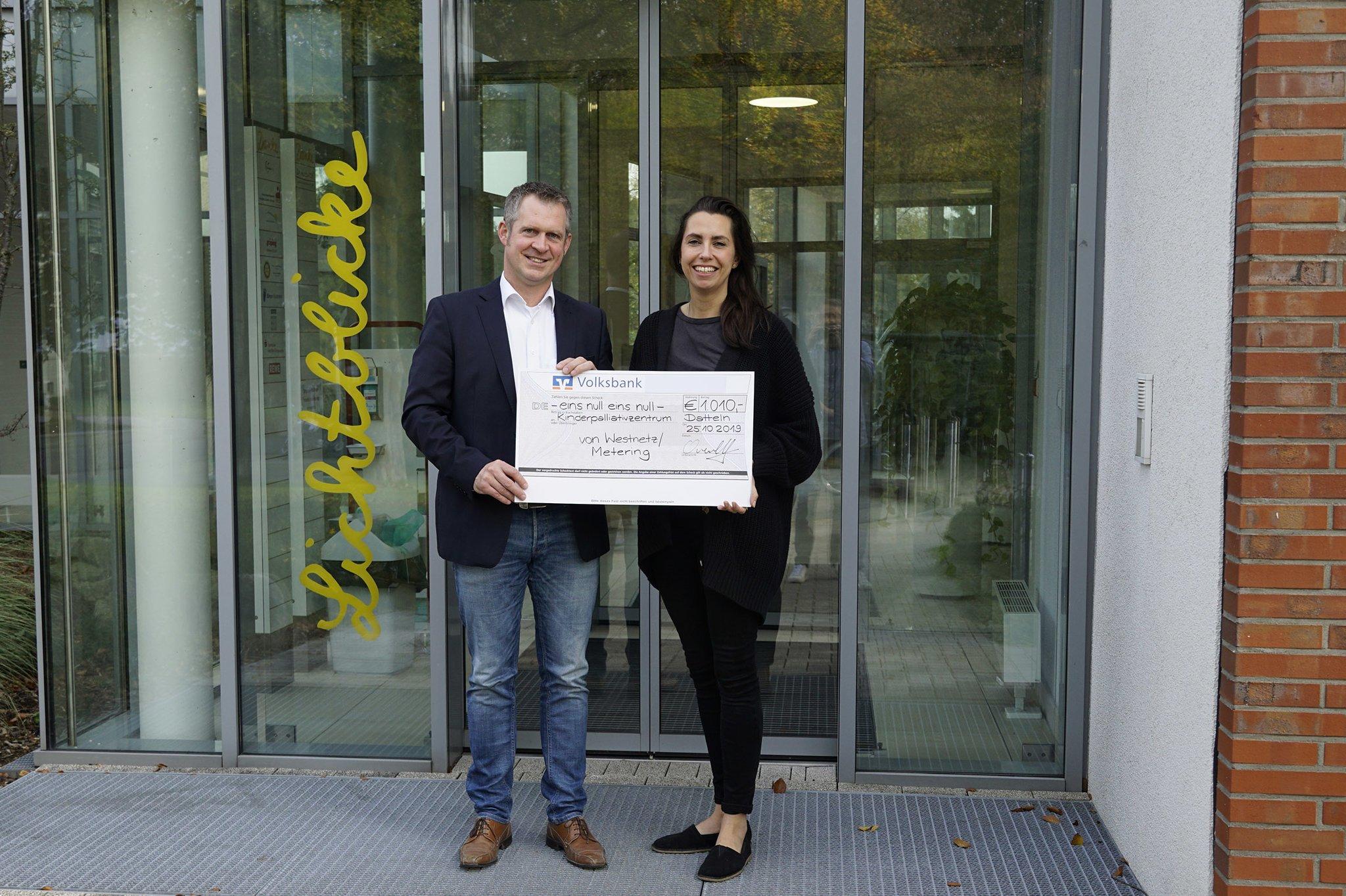 Westnetz-Mitarbeiter spenden an Kinderpalliativzentrum in Datteln: Datteln: 1010 Euro für Kinderklinik - Datt - Lokalkompass.de