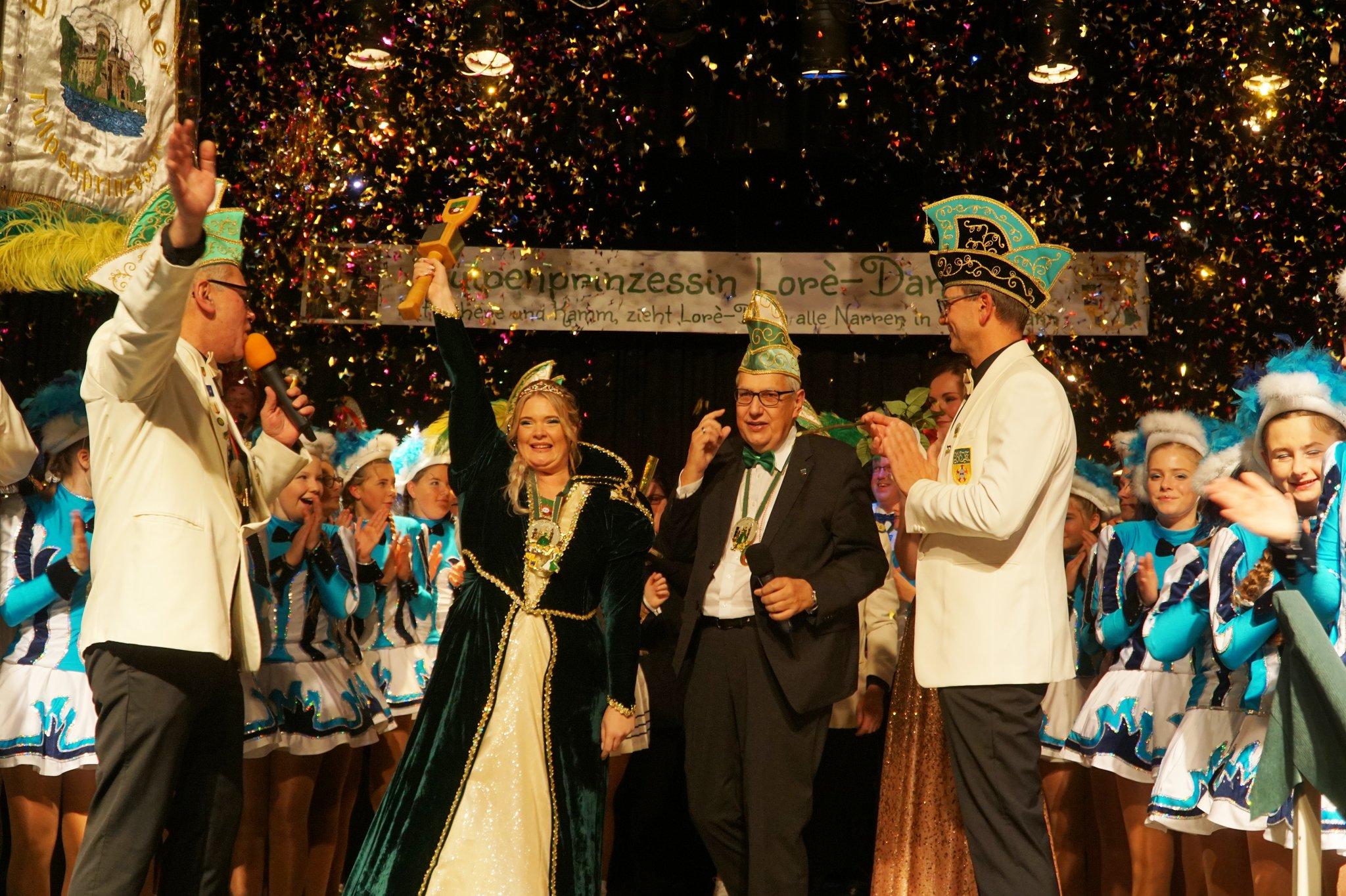Bedburg-Hau hat eine neue Tulpenprinzessin: Loré-Dana I. regiert das Hauer Narrenvolk - Bedburg-Hau - Lokalkompass.de