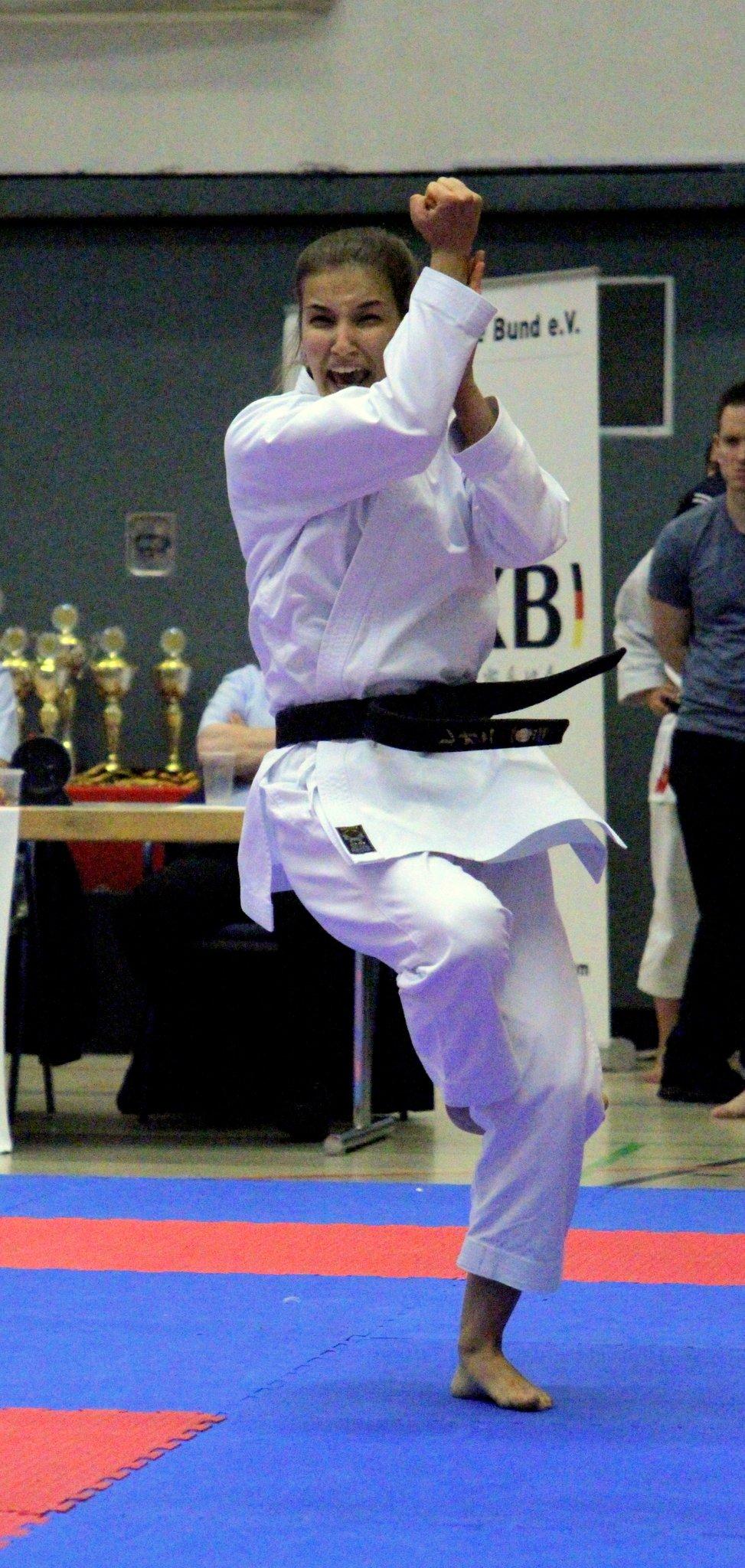 Karate Sport Wettkampf: Anspanung , Emotion, Freude, Begeisterung, Sieg, ... Karate JKA-Cup - Lokalkompass.de