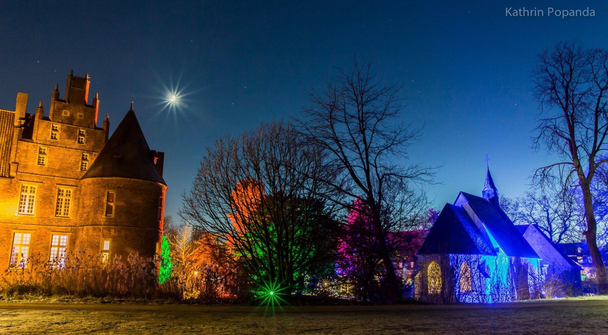 Winterwelt findet erstmals statt - Lichterwald ergänzt das Programm: Schnee am Rathaus - Lokalkompass.de