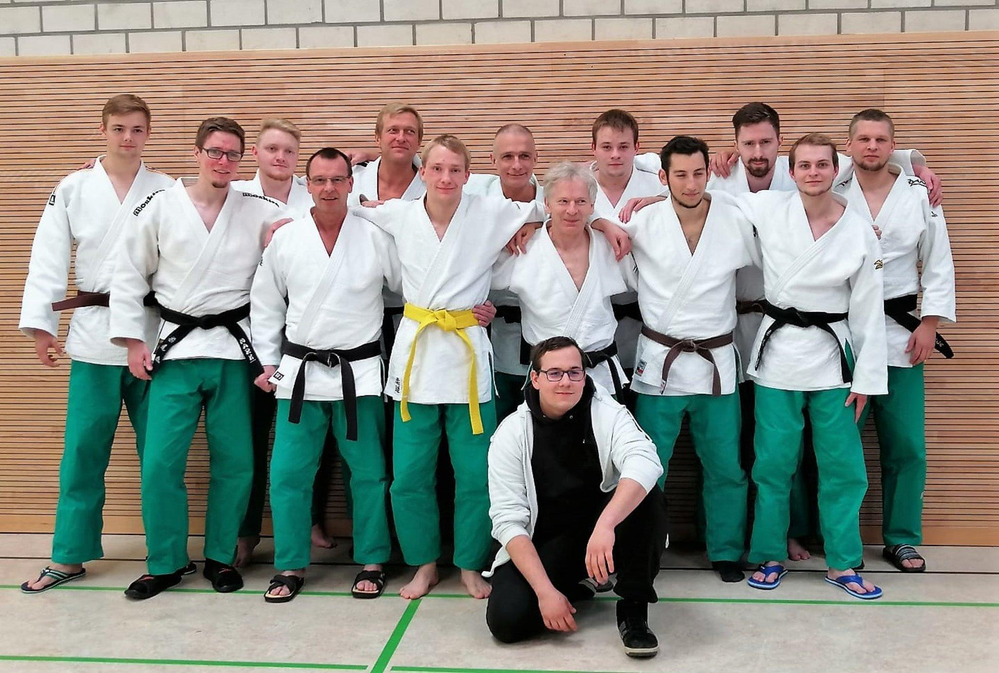 Nach dem dritten von vier Kampftagen: Judo-Herren nähern sich dem Aufstieg in die Landesliga - Lokalkompass.de