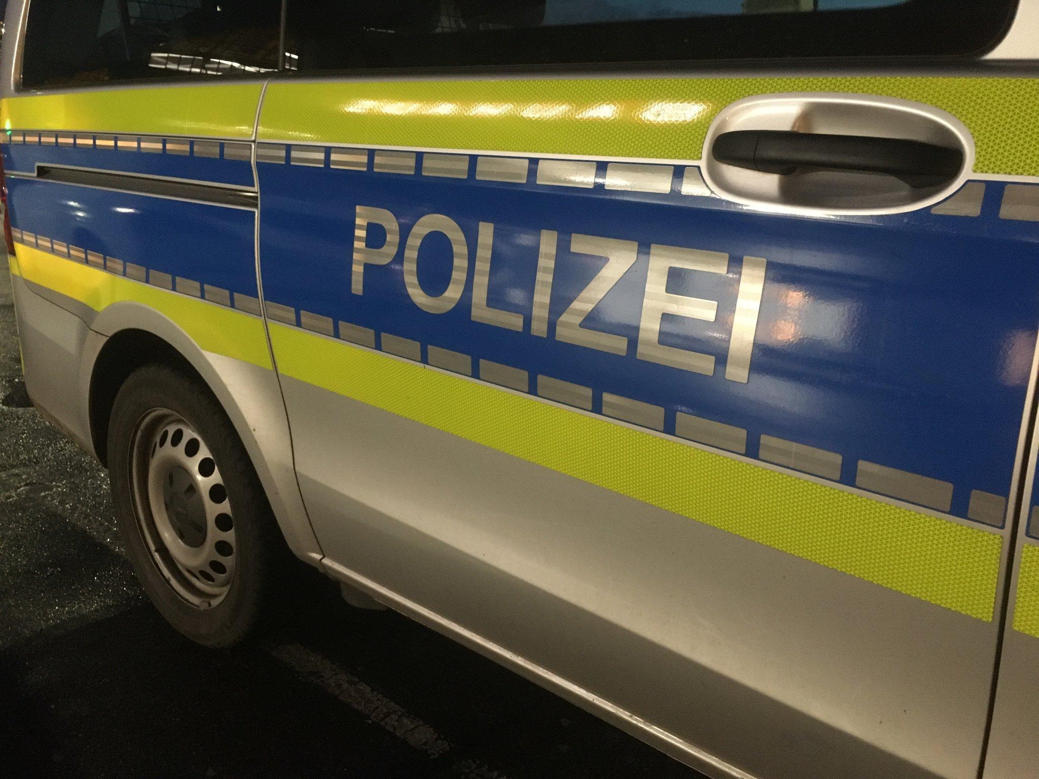 Festgehalten und ins Gesicht geschlagen: Unbekannte greifen 18-Jährigen in Ennepetal an - Ennepetal - Lokalkompass.de