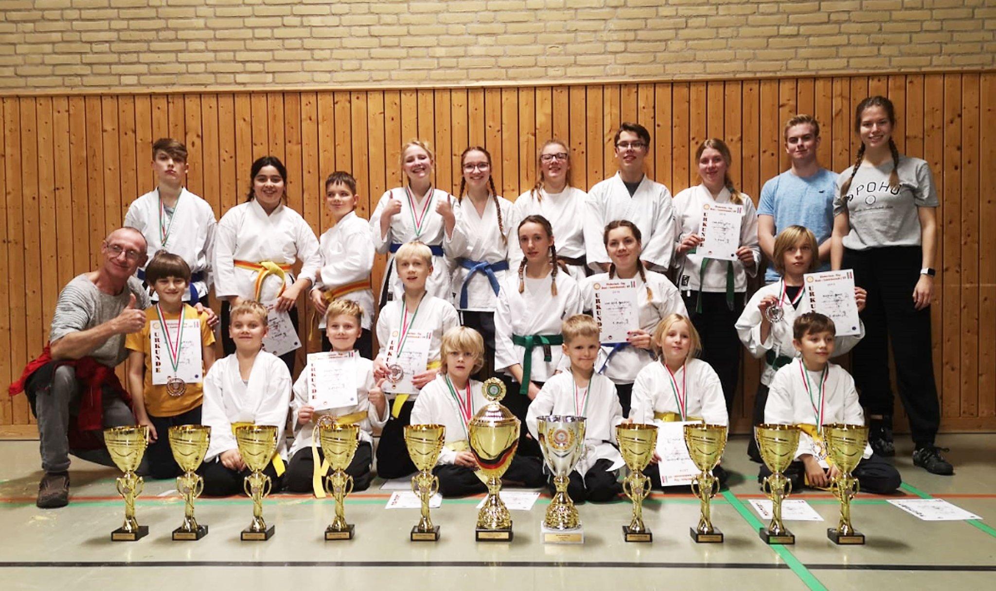 Dritter großer Erfolg des Weseler Vereins: Wushu Wesel gewinnt Niederrhein-Cup in Moers - Wesel - Lokalkompass.de