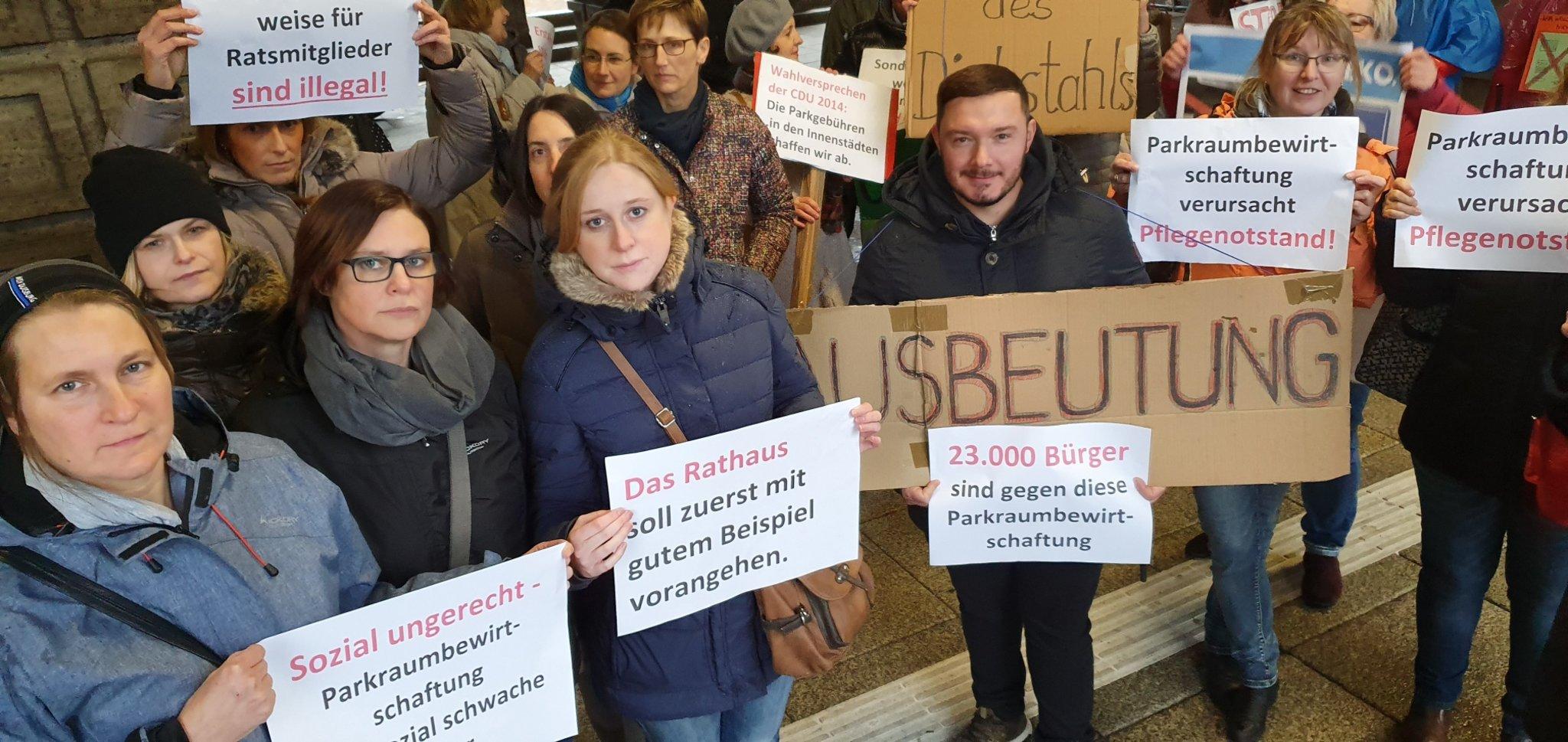 Rat entscheidet positiv über Parkraumbewirtschaftung in Oberhausen: Protest gescheitert - Oberhausen - Lokalkompass.de