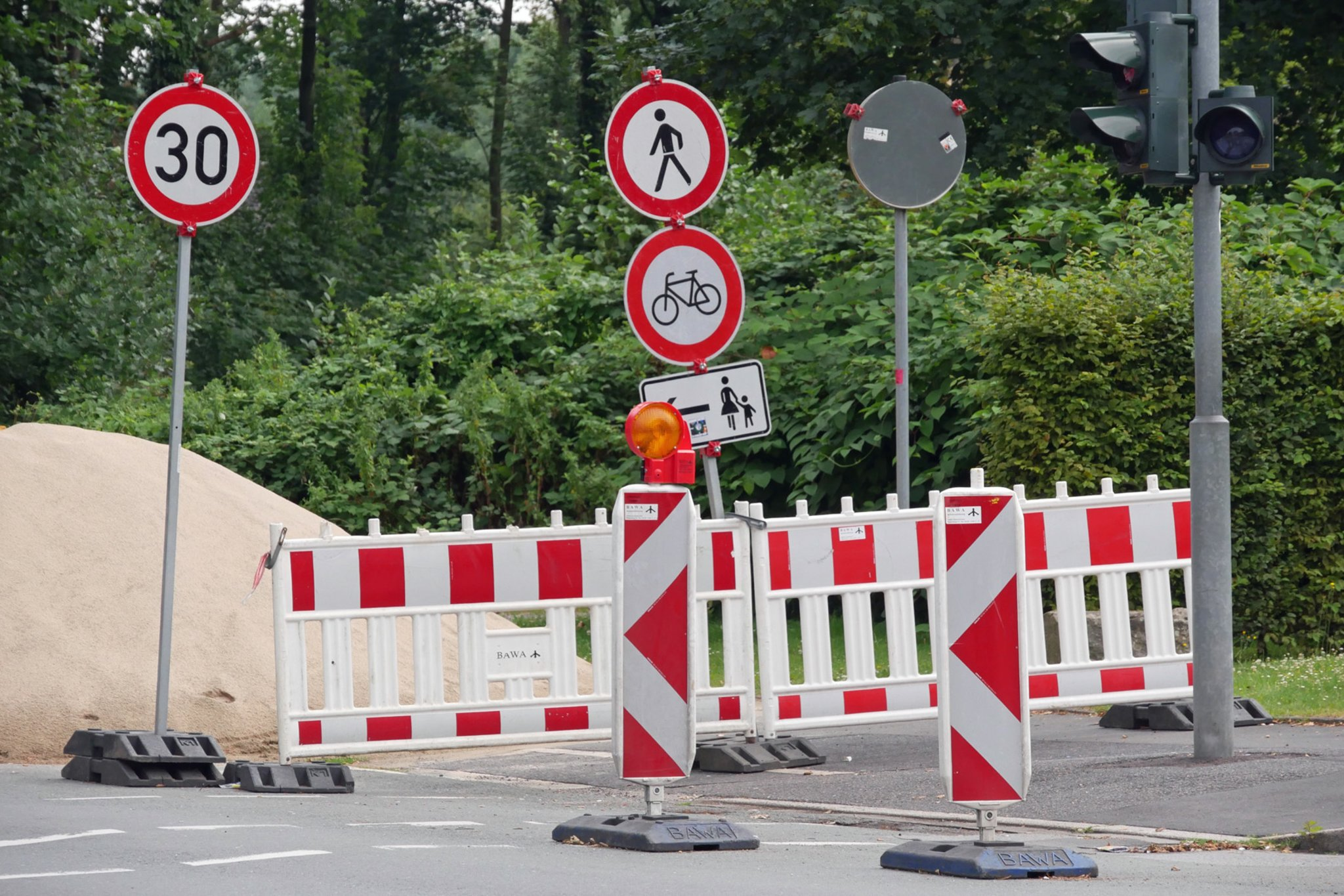 Druckrohrleitung werden verlegt: Rappaportstraße von Baustelle betroffen - Lokalkompass.de