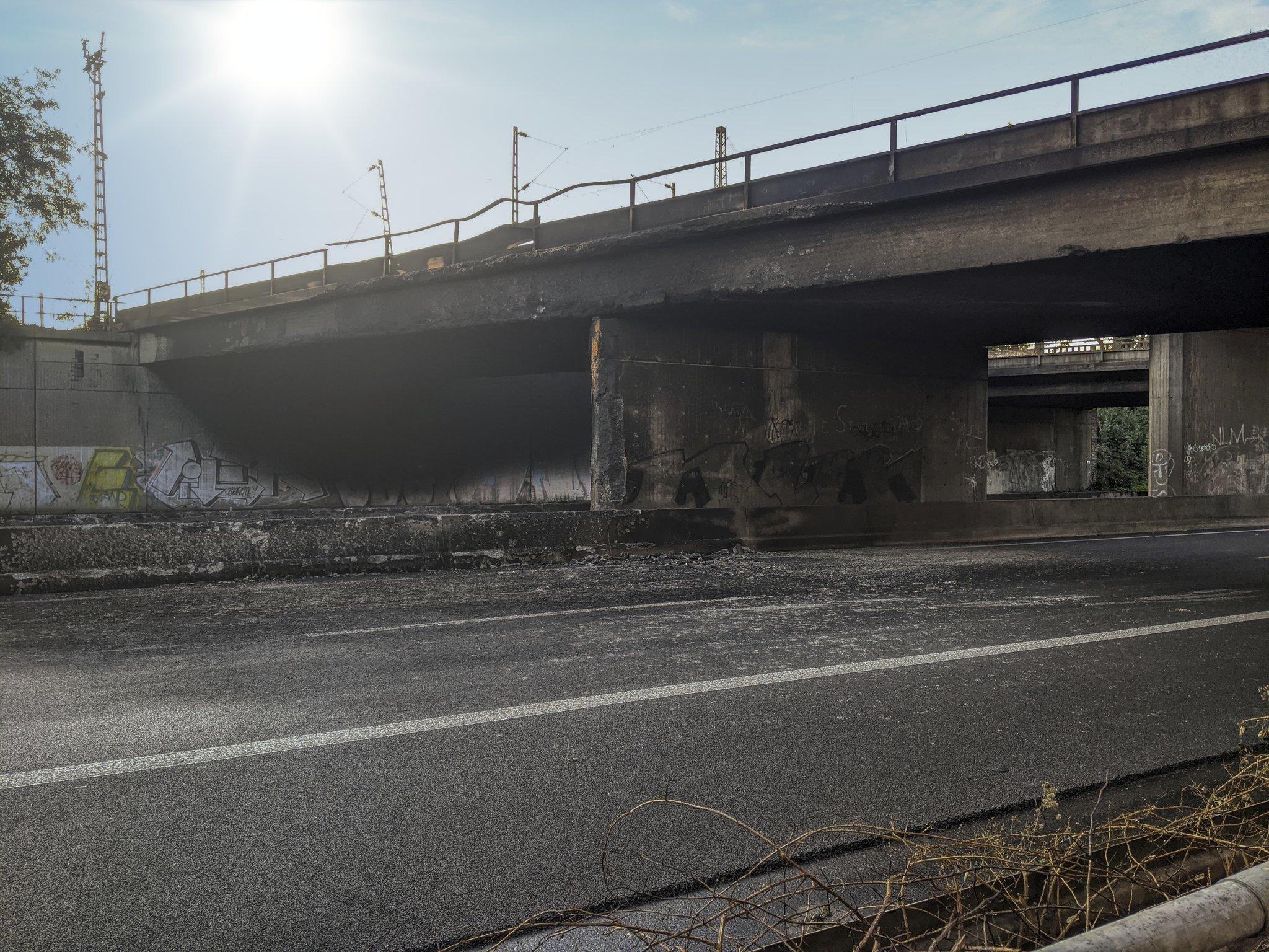 Brücke A40 Gesperrt