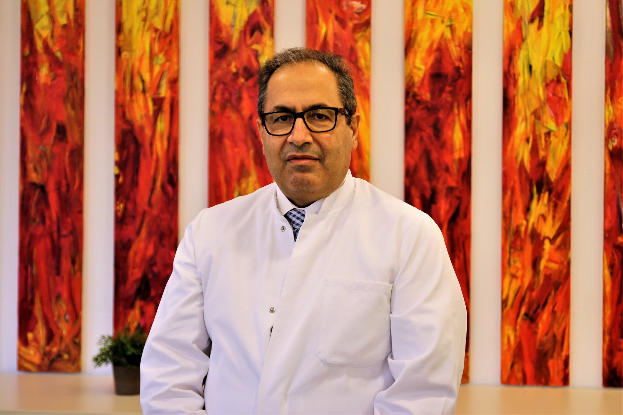 Dr. Akbar Ferdosi wird neuer Chefarzt der...