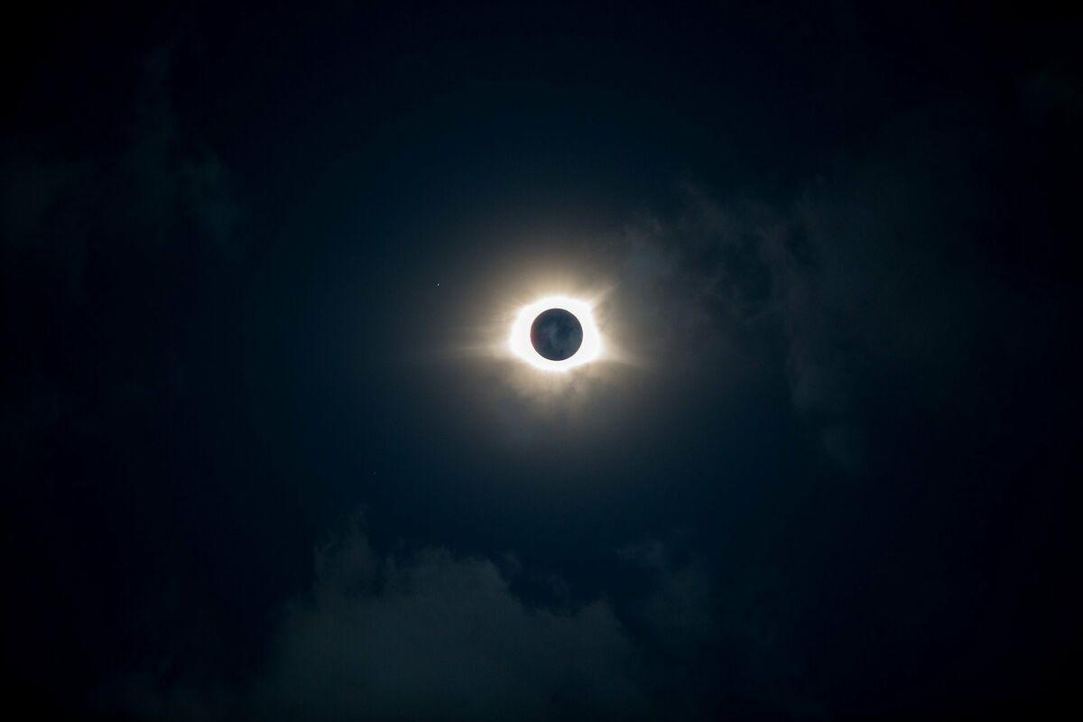 Eine partielle Sonnenfinsternis findet am 10. Juni in Deutschland statt.