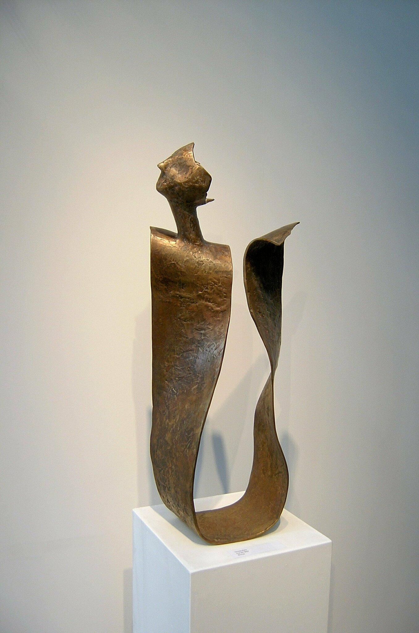 In 14 Jahren Berlin entdeckte Christa Biere die Leidenschaft mit Wachs und Metall zu arbeiten. Ihre lebendigen Skulpturen beziehen sich oft auf den Menschen.