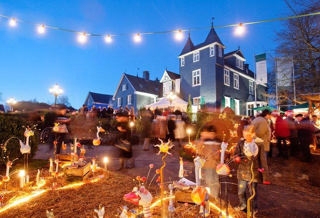 Weihnachtsmarkt Wuppertal öffnungszeiten.Romantischer Weihnachtsmarkt Schloss Grünewald