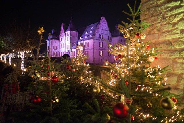 Eröffnung Dortmunder Weihnachtsmarkt 2019.Weihnachtsflair 29 11 2 12 2018 Am Schloss Bodelschwingh In Dortmund