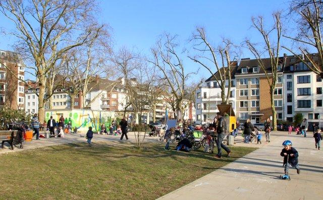 3 Budchentag Buntes Sommerfest Am Schillerplatz