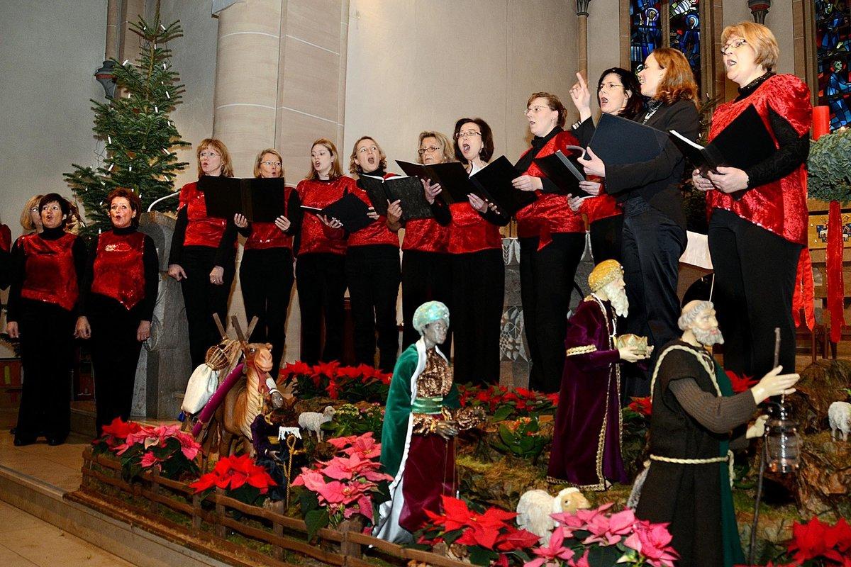 Gleich drei Chöre bieten weihnachtliche Weisen in der Asselner St ...