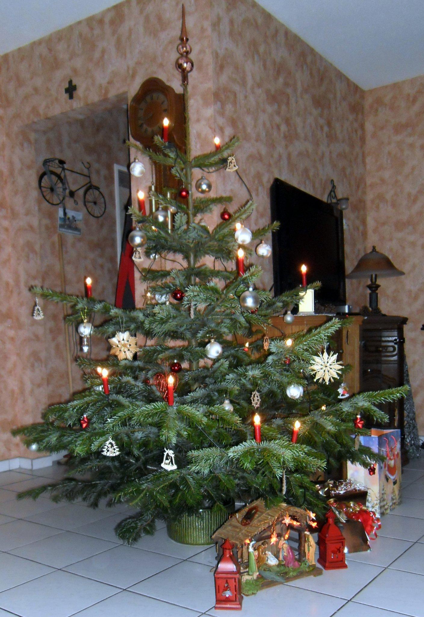 Frohe Und Gesegnete Weihnachten.Frohe Weihnachten Wünsche Ich Allen Nutzern Und Lesern Im